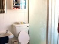 Main Bathroom of property in Oak Glen