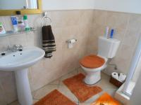 Bathroom 1 - 5 square meters of property in Olivedale
