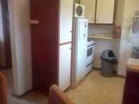 Kitchen - 7 square meters of property in Illovo Beach