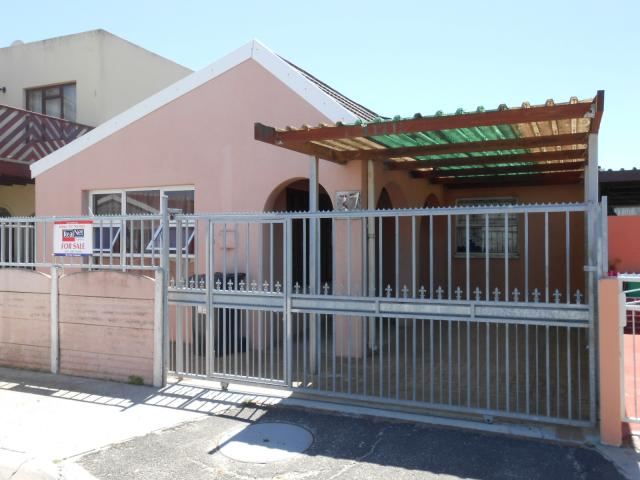 3 Bedroom House for Sale For Sale in Cape Town Centre - Home Sell - MR104785
