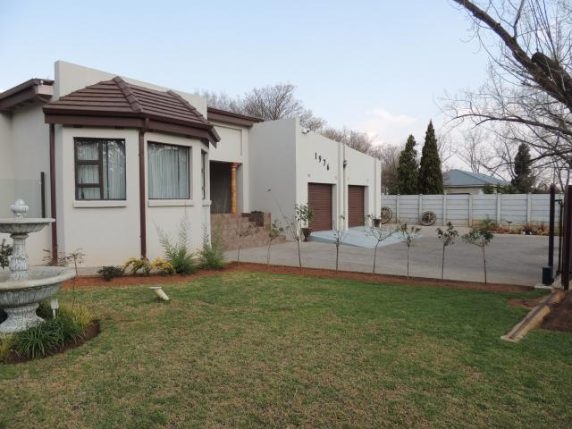 4 Bedroom House for Sale For Sale in Henley-on-Klip - Home Sell - MR104819