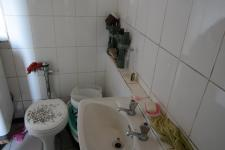 Bathroom 1 - 5 square meters of property in Bellville