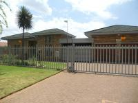 2 Bedroom 2 Bathroom in Vanderbijlpark