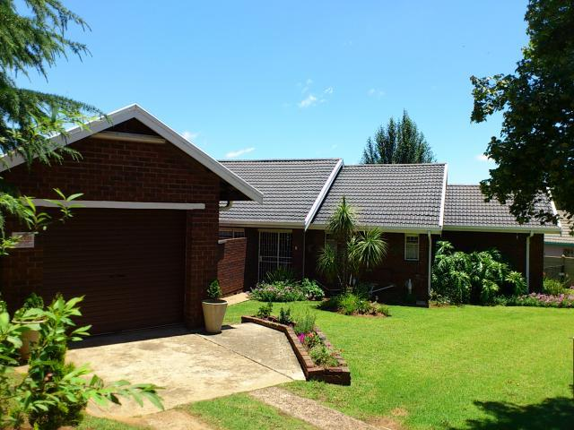 3 Bedroom House for Sale For Sale in Emalahleni (Witbank)  - Private Sale - MR104870