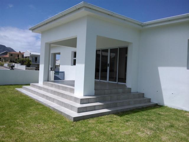 Spaces - 19 square meters of property in Gansbaai
