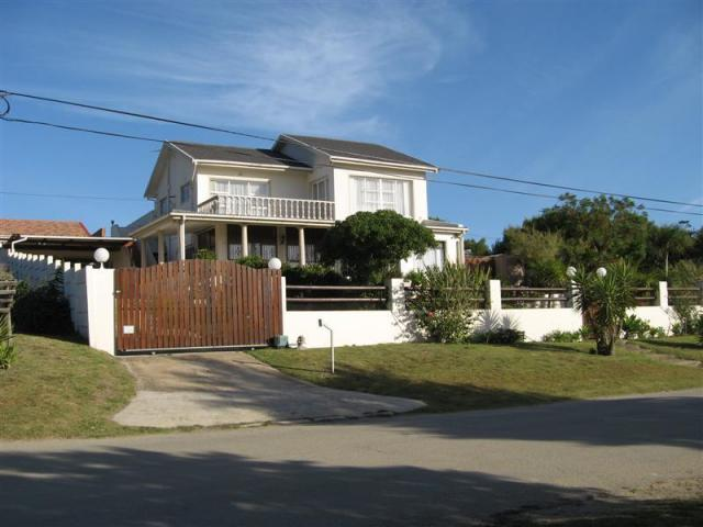 5 Bedroom House for Sale For Sale in Jeffrey's Bay - Home Sell - MR104909
