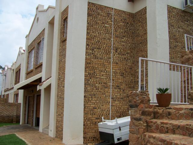 4 Bedroom House for Sale For Sale in Rustenburg - Private Sale - MR104990