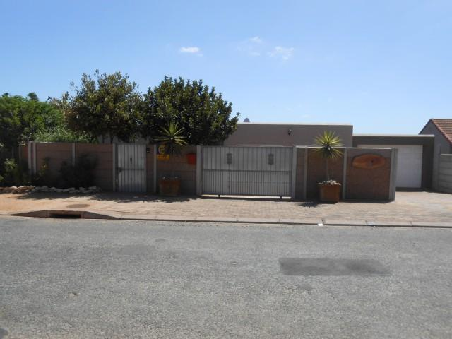 4 Bedroom House for Sale For Sale in Vredenburg - Private Sale - MR105000