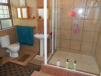 Bathroom 1 - 7 square meters of property in Vredenburg