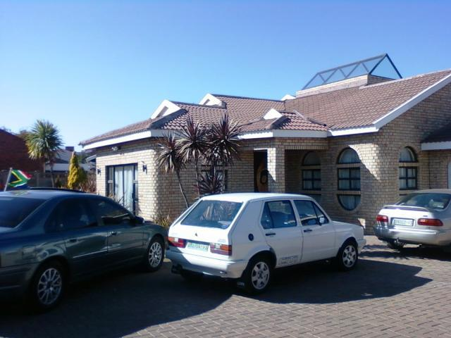 5 Bedroom House For Sale in Bloemfontein - Private Sale - MR105002