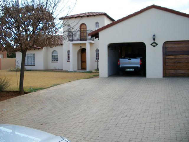 3 Bedroom House for Sale For Sale in Wolmaransstad - Home Sell - MR105005