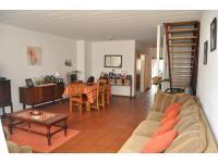 Lounges - 17 square meters of property in Sinoville
