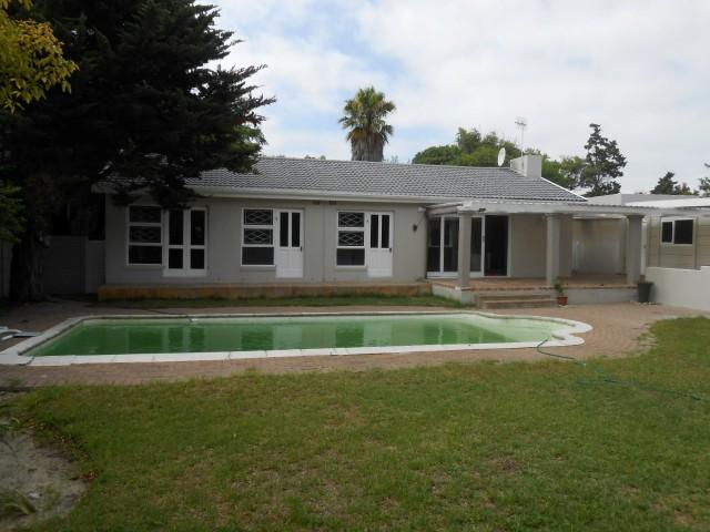 3 Bedroom House For Sale in Flamingo Vlei - Home Sell - MR105016