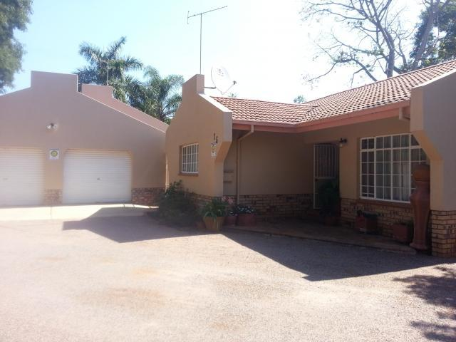 3 Bedroom Simplex For Sale in Mookgopong (Naboomspruit) - Home Sell - MR105079