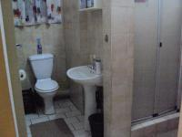 Bathroom 1 of property in Barberton