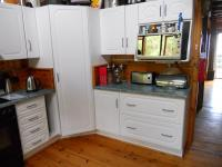 Kitchen - 17 square meters of property in Knysna