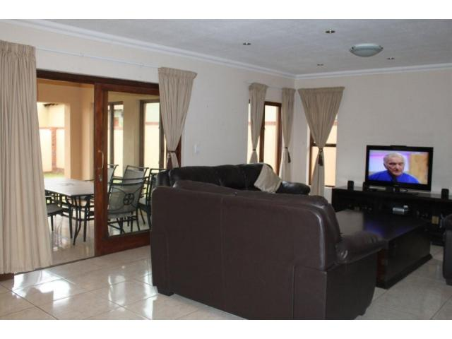 3 Bedroom House For Sale in Midstream Estate - Private Sale - MR105094