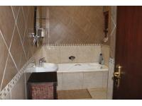 Main Bathroom of property in Midstream Estate