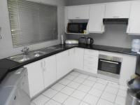 Kitchen - 15 square meters of property in Bromhof