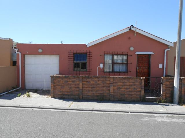 Standard Bank EasySell 3 Bedroom House for Sale For Sale in Mitchells Plain - MR105108