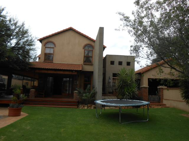 4 Bedroom House For Sale in Midstream Estate - Private Sale - MR105171
