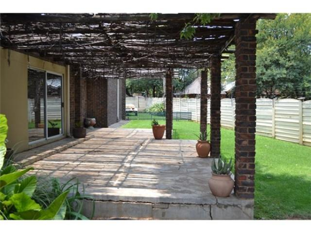 3 Bedroom House For Sale in Potchefstroom - Private Sale - MR105203