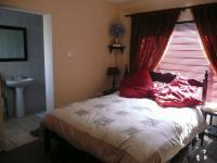 Main Bedroom of property in Birchleigh