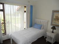 Bed Room 1 - 13 square meters of property in Margate