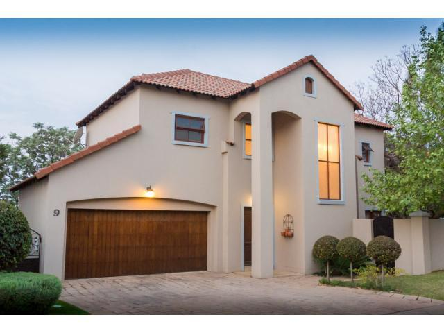 3 Bedroom House For Sale in Fourways - Home Sell - MR105229