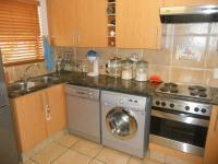 Kitchen - 10 square meters of property in Douglasdale