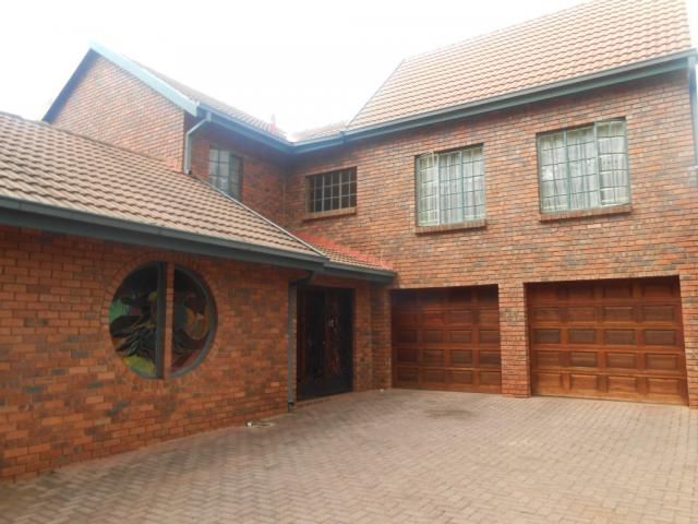 House for Sale For Sale in Garsfontein - Private Sale - MR105241