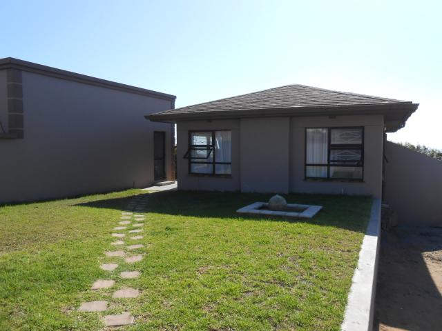 4 Bedroom House For Sale in Vredenburg -Ct - Private Sale - MR105244