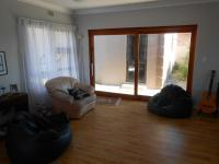 Lounges - 28 square meters of property in Vredenburg -Ct