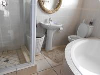 Main Bathroom - 6 square meters of property in Little Falls