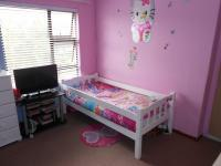 Bed Room 1 - 18 square meters of property in Little Falls