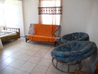 Lounges - 22 square meters of property in Uvongo
