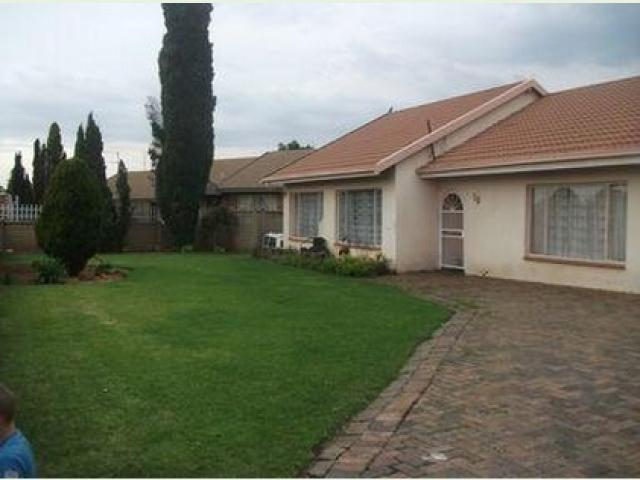Standard Bank EasySell 2 Bedroom House for Sale For Sale in Waldrift - MR105284