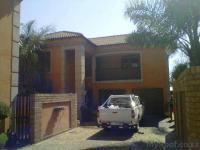 Front View of property in Dal Fouche