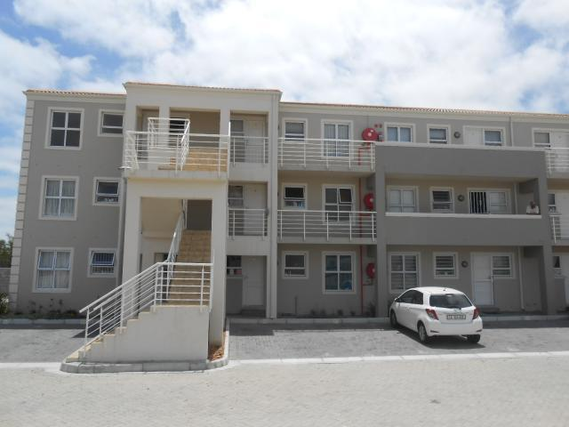 2 Bedroom Apartment for Sale For Sale in Melkbosstrand - Private Sale - MR105333