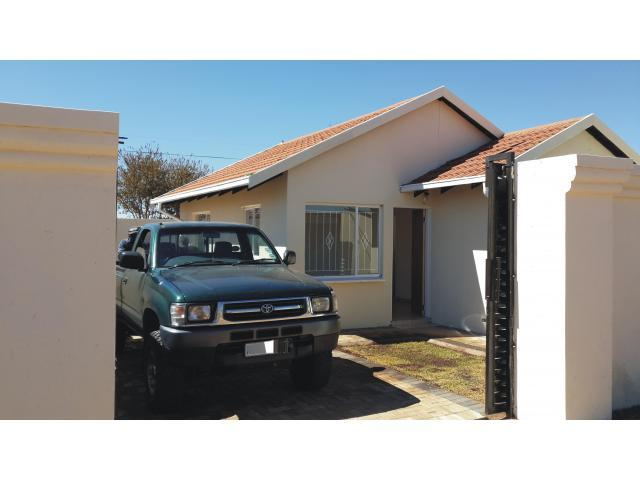 2 Bedroom House For Sale in Protea Glen - Home Sell - MR105375