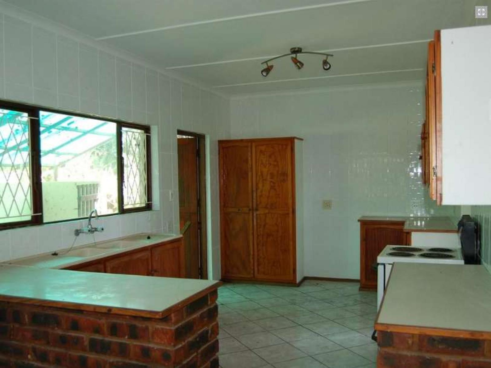 Kitchen - 7 square meters of property in Port Edward