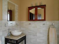 Bathroom 1 - 9 square meters of property in Montana