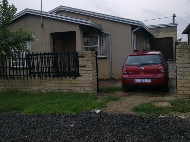 2 Bedroom House for Sale and to Rent For Sale in Orange farm - Home Sell - MR105435