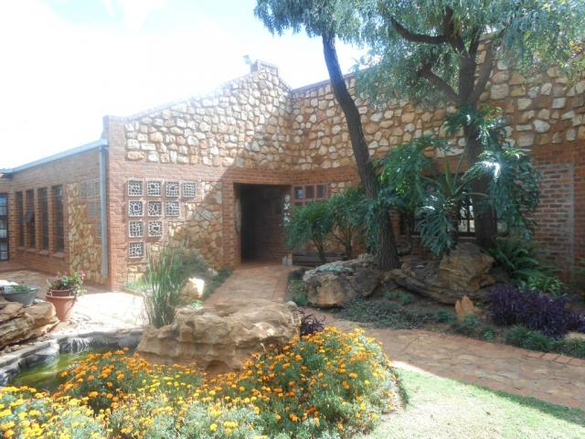 Smallholding for Sale For Sale in Rietfontein - Pretoria East - Home Sell - MR105439