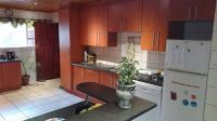Kitchen of property in Kamma Park
