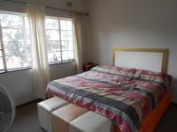Main Bedroom - 21 square meters of property in Kew