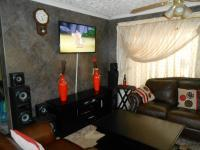 Lounges - 16 square meters of property in Danville