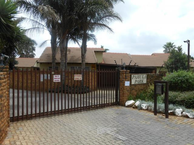 Standard Bank EasySell 2 Bedroom Apartment for Sale For Sale in Pomona - MR105474