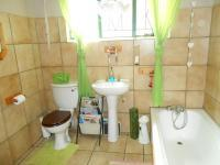 Main Bathroom - 8 square meters of property in Modimolle (Nylstroom)