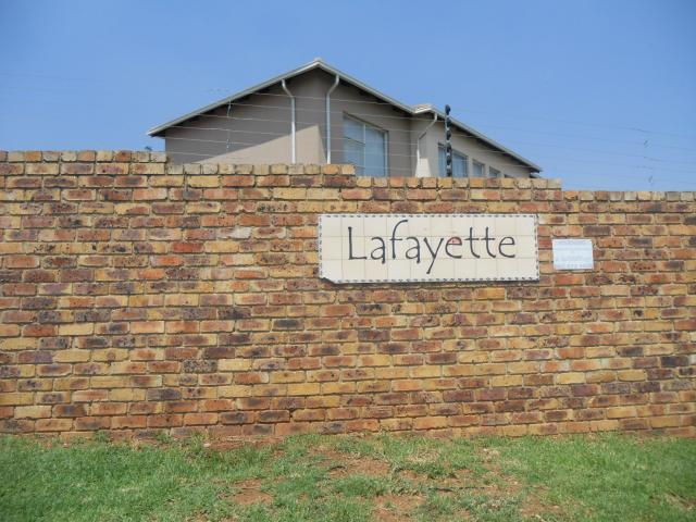 2 Bedroom Sectional Title for Sale For Sale in Naturena - Private Sale - MR105521